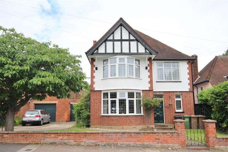 5 Bedrooms Detached House for sale in Lansdowne Road, Wardown Park , Luton, LU3