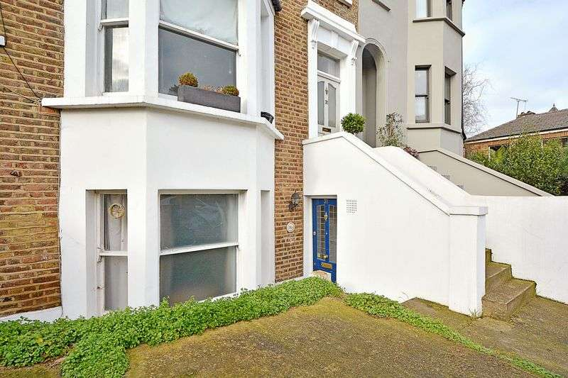 2 Bedrooms Flat for sale in Brookfield Road, London E9