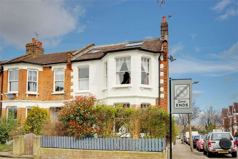 4 Bedrooms Flat for sale in Crescent Road, Alexandra Park, London