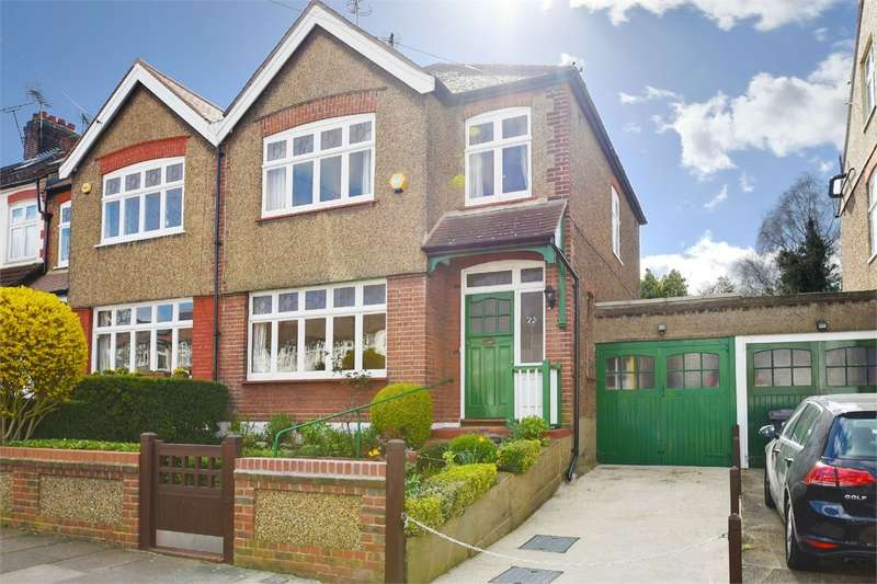3 Bedrooms End Of Terrace House for sale in Churston Gardens, Bounds Green, London