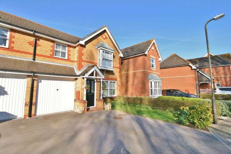 3 Bedrooms Semi Detached House for sale in Siskin Road, Milton