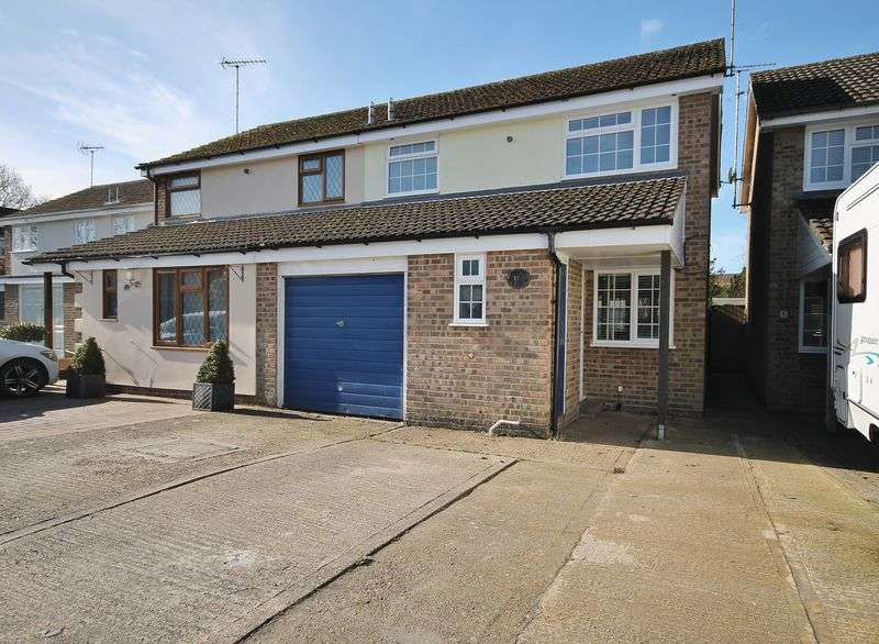 3 Bedrooms Semi Detached House for sale in Southdown Way, Storrington