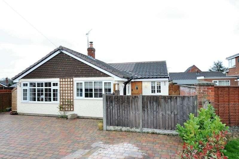 4 Bedrooms Detached Bungalow for sale in Yew Tree Road, Rosliston