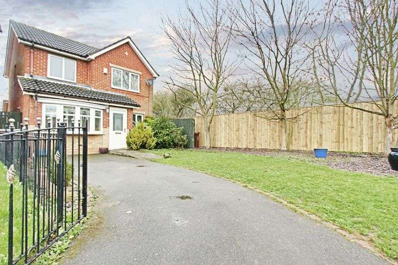 3 Bedrooms Detached House for sale in Kelberdale Close, Kingswood