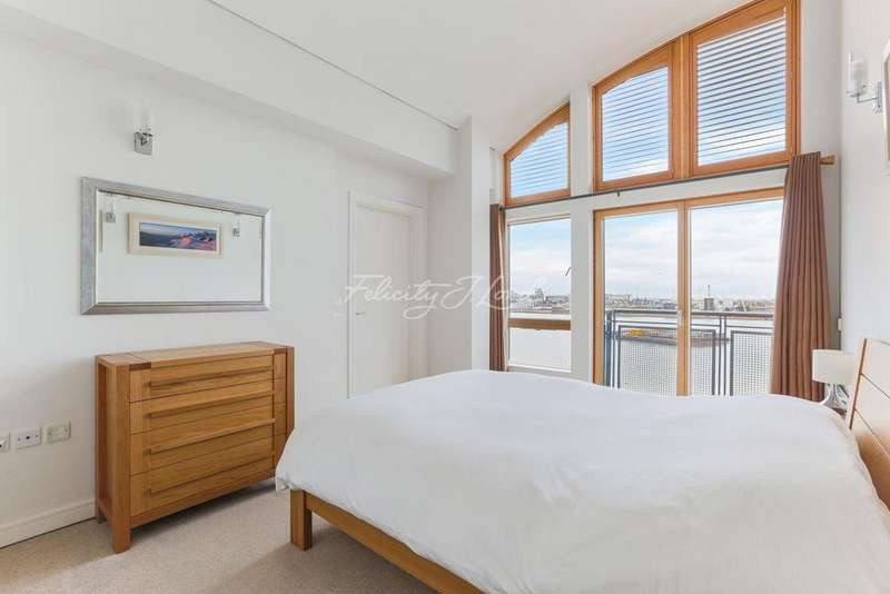 2 Bedrooms Flat for sale in Maurer Court, Greenwich, SE10