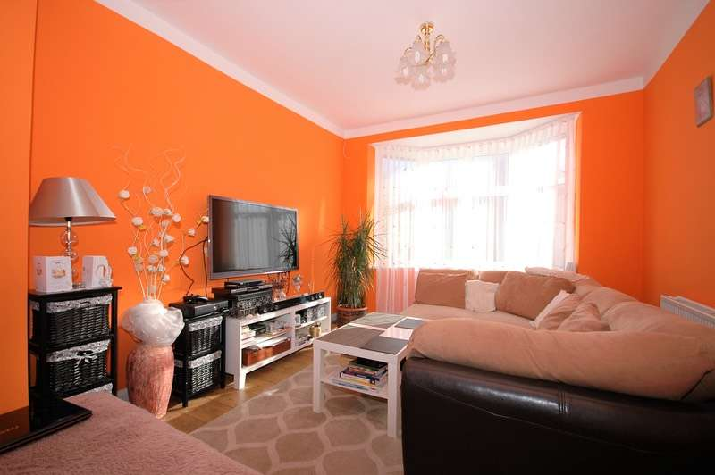 2 Bedrooms Semi Detached House for sale in Eastgate Gardens, Newcastle upon Tyne, Tyne and Wear, NE4