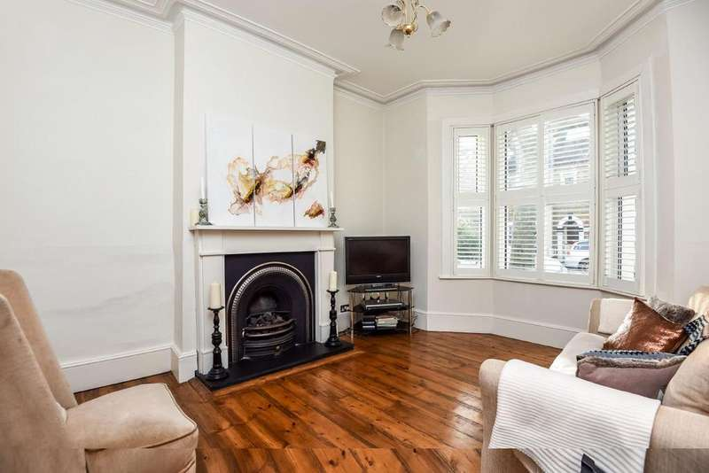 2 Bedrooms Terraced House for sale in Sellincourt Road, Tooting, SW17