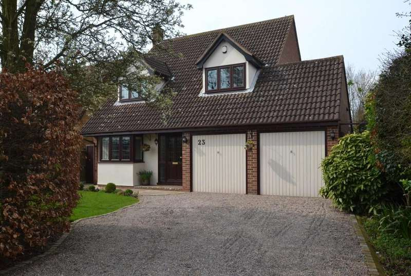 4 Bedrooms Detached House for sale in Central Avenue, Billericay, Essex, CM12