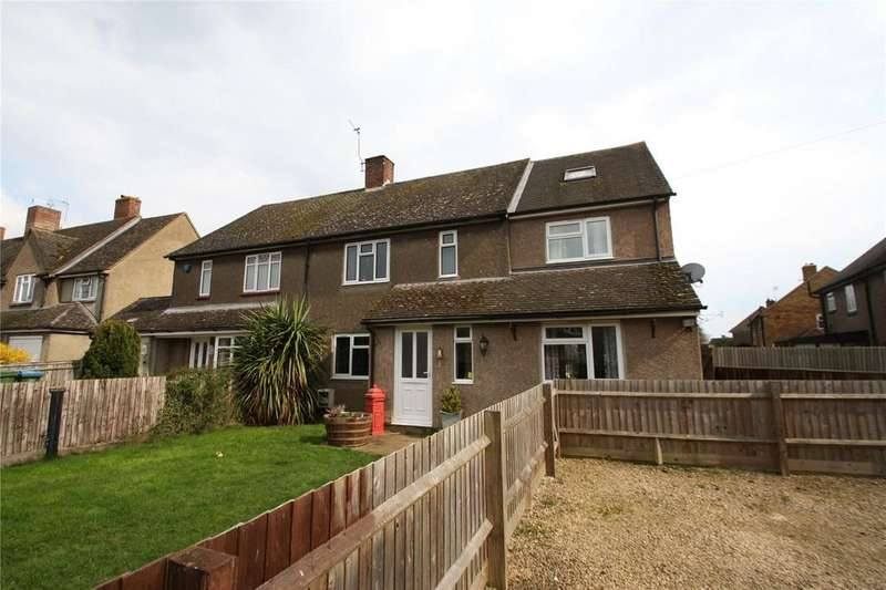 3 Bedrooms Semi Detached House for sale in Roberts Road, Haddenham, Aylesbury, HP17