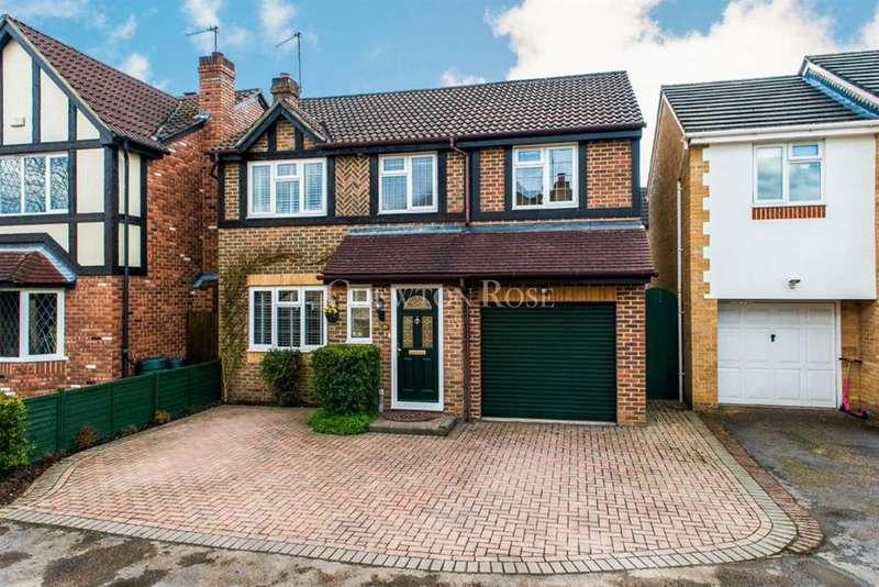 4 Bedrooms Detached House for sale in Aldridge Park, Winkfield Row