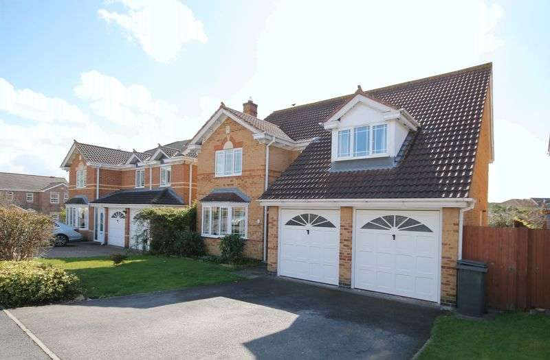 4 Bedrooms Detached House for sale in The Spinney, Bristol