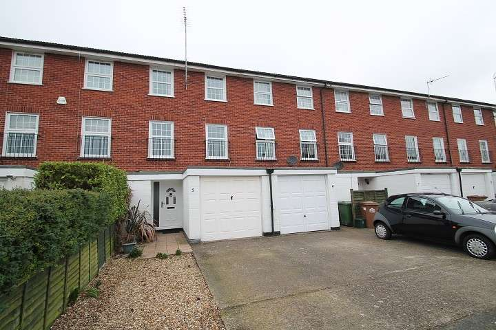 4 Bedrooms Terraced House for sale in Kestrel Avenue, Staines-Upon-Thames, TW18