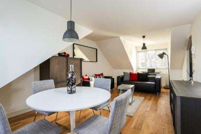 2 Bedrooms Flat for sale in Parkview, 47 Langton Court Road, St Anne's, Bristol