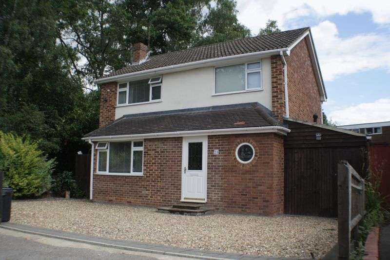 4 Bedrooms Detached House for sale in Bodmin Road, Reading