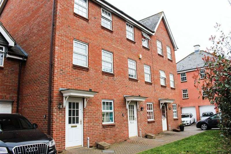 5 Bedrooms House for sale in Copenhagen Way, Norwich