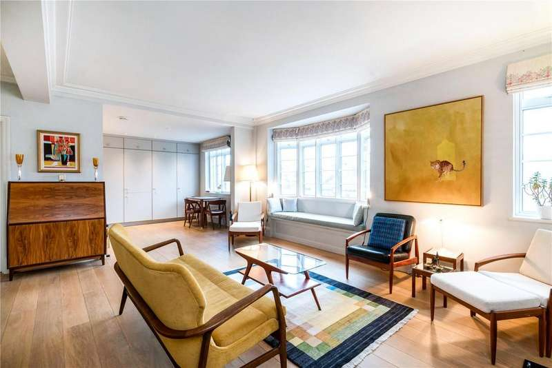 2 Bedrooms Flat for sale in Rosscourt Mansions, 13 Buckingham Palace Road, Victoria, London, SW1W