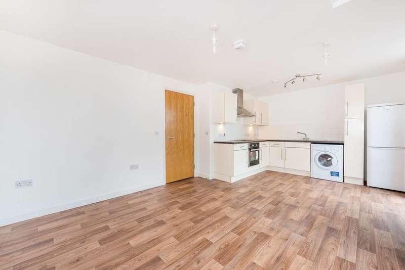 1 Bedroom Flat for sale in Jasper Avenue, Hanwell, W7