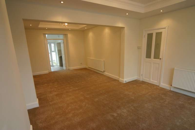 4 Bedrooms Property for sale in Neath, SA11 1HL