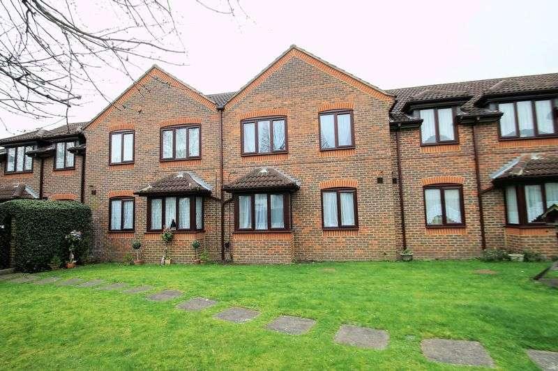 1 Bedroom Retirement Property for sale in Barnetts Court, Harrow, Middlesex