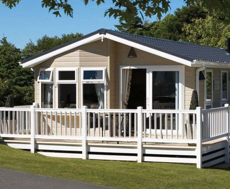 2 Bedrooms Bungalow for sale in Brooklyn Holiday Park, Gravel Lane, Banks, Southport, Lancashire, PR9 8BU