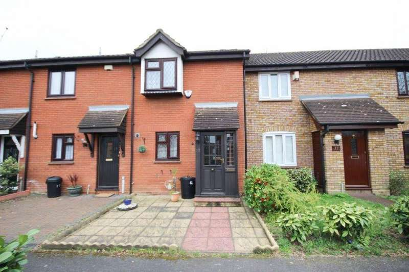 2 Bedrooms House for sale in 2 bedroom Terraced House in Ilford