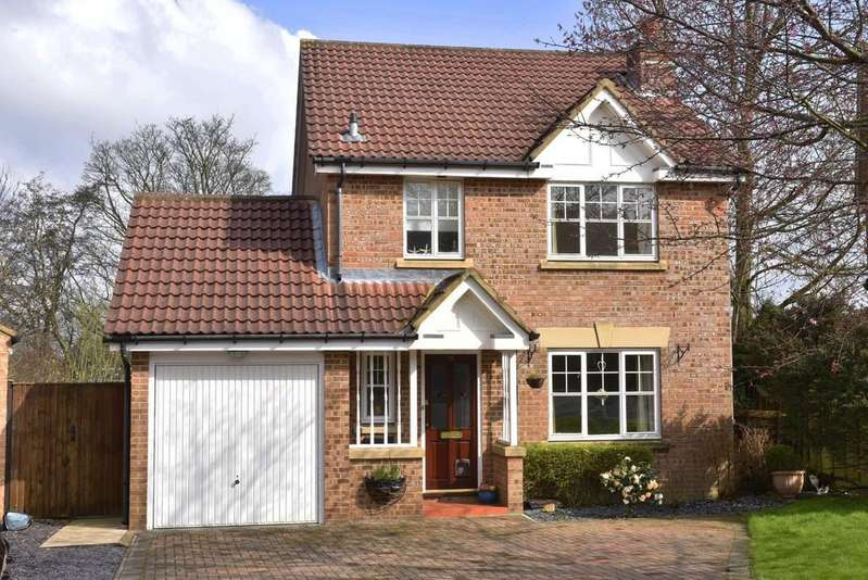 3 Bedrooms Detached House for sale in Bluebell Meadow, Harrogate