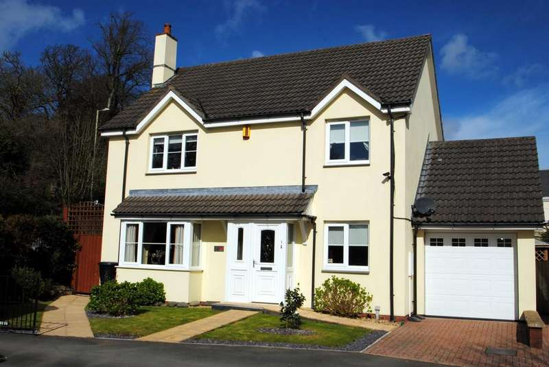 4 Bedrooms Detached House for sale in Durrant Lodge, Heywood Road