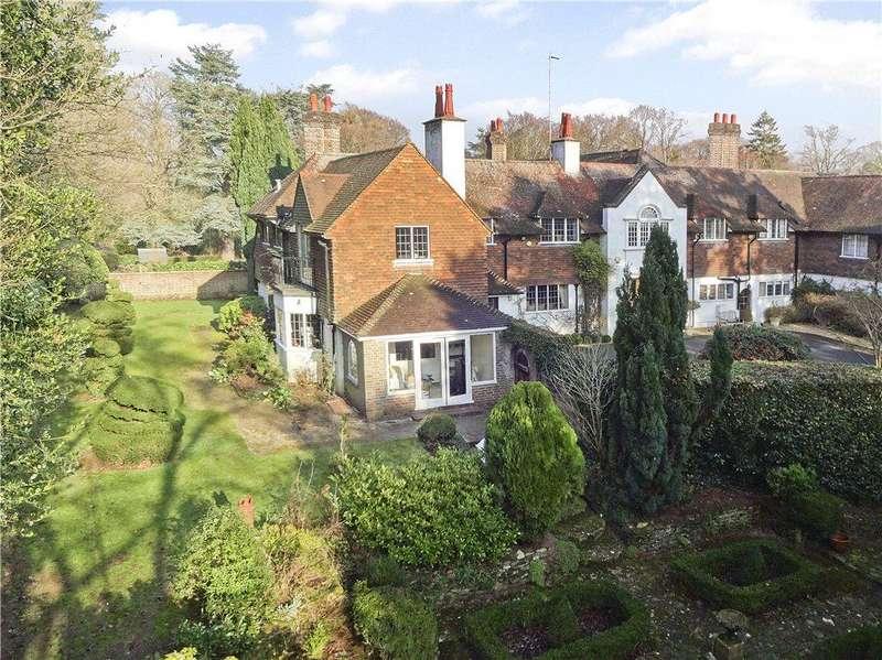 4 Bedrooms House for sale in Puttenham Heath Road, Puttenham, Guildford, Surrey