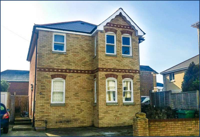3 Bedrooms Detached House for sale in Atherley Road, Shanklin PO37