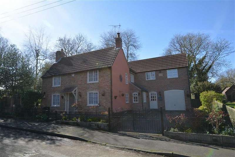 5 Bedrooms Detached House for sale in Chapel Lane, Coddington, Nottinghamshire, NG24