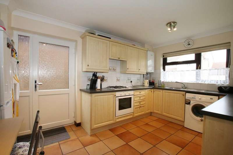 3 Bedrooms Semi Detached House for sale in St Stephens Drive, Chatteris