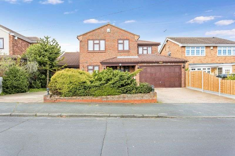 6 Bedrooms Detached House for sale in Clifton Road, Ashingdon