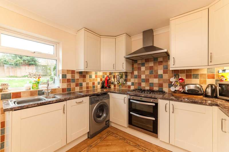 4 Bedrooms Terraced House for sale in Cornerhall, Hemel Hempstead
