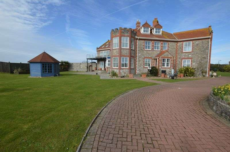 5 Bedrooms Detached House for sale in Links Road, Uphill, Weston-Super-Mare