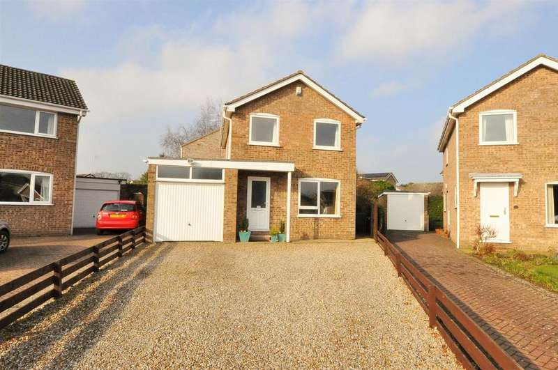 4 Bedrooms Detached House for sale in Arthur Place, Skelton, York
