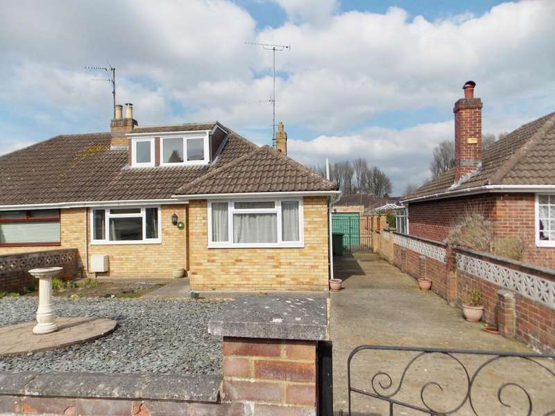 4 Bedrooms Semi Detached Bungalow for sale in Eastville Road, Swindon