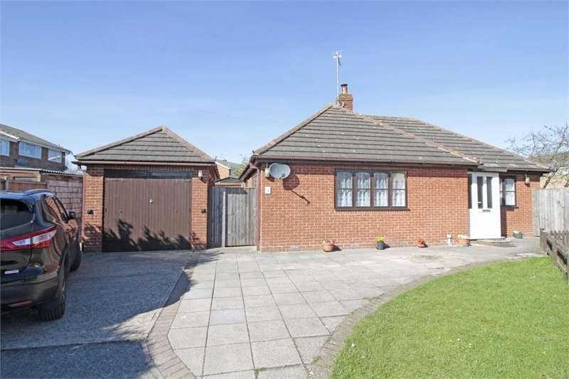 2 Bedrooms Detached Bungalow for sale in Kelvedon Road, Tiptree, Essex