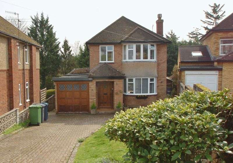 3 Bedrooms Detached House for sale in High Wycombe