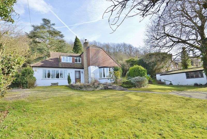4 Bedrooms Detached House for sale in Whiteleaf