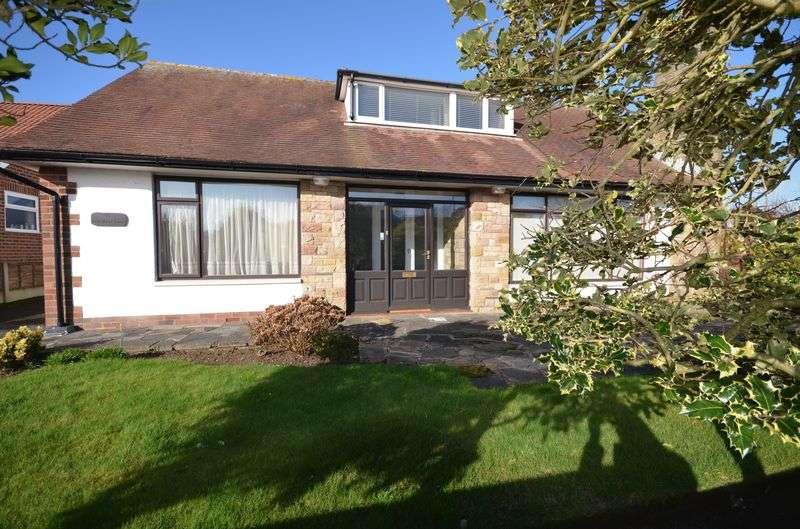 3 Bedrooms Bungalow for sale in 54 Carr Head Lane, Poulton-Le-Fylde, Lancs FY6 8EG