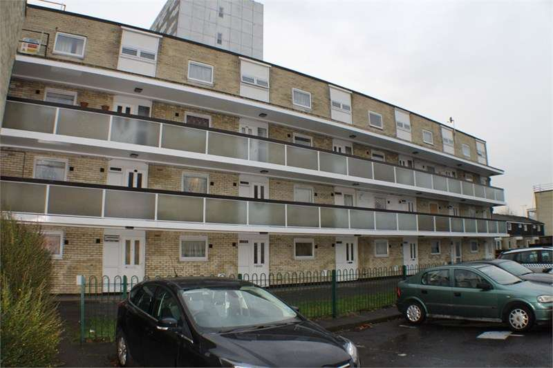 2 Bedrooms Flat for sale in Golden Grove, Zoopla