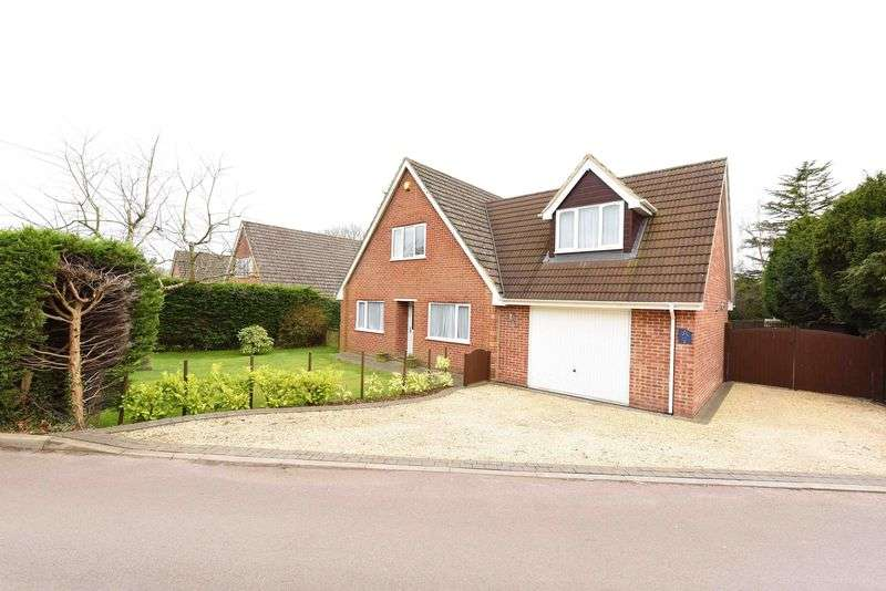 5 Bedrooms Detached House for sale in West Street, Tadley