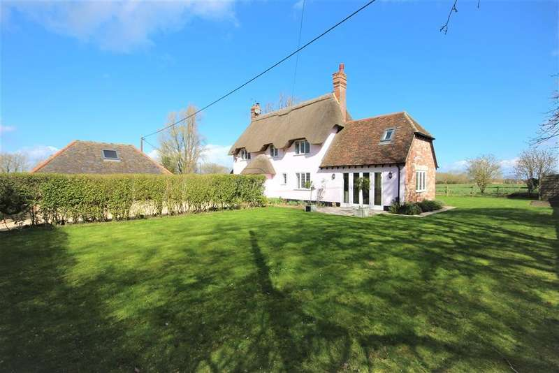 4 Bedrooms Detached House for sale in Compton Beauchamp, Swindon, SN6