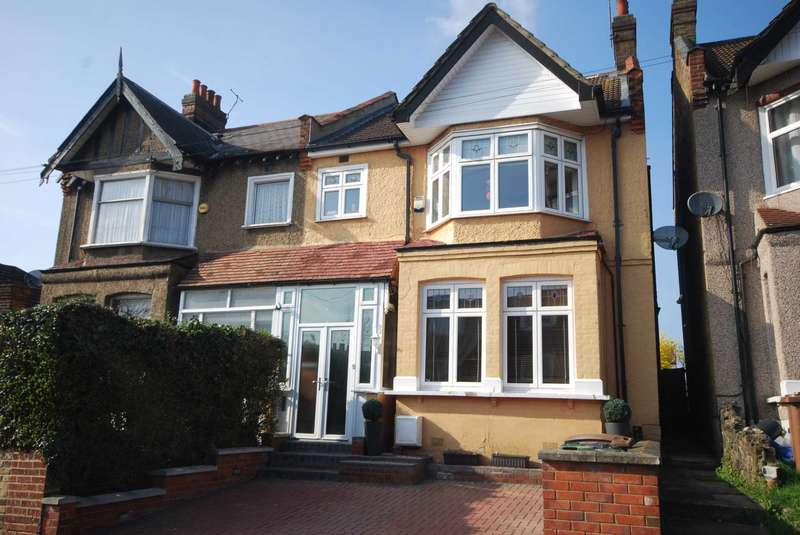 4 Bedrooms Semi Detached House for sale in Chingford Avenue, Chingford