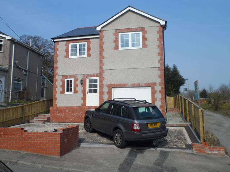 4 Bedrooms Detached House for sale in Alltygrug Road, Ystalyfera, Swansea