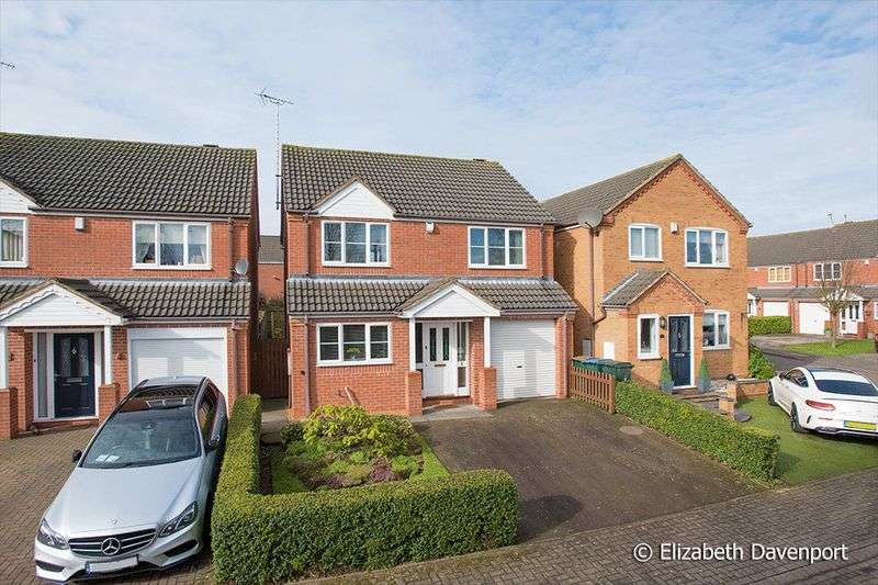 4 Bedrooms Detached House for sale in Renolds Close, Tile Hill Lane, Coventry