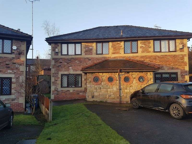 3 Bedrooms Semi Detached House for sale in Woodhill Vale, Bury, BL8 - Cul De Sac & South Facing Garden