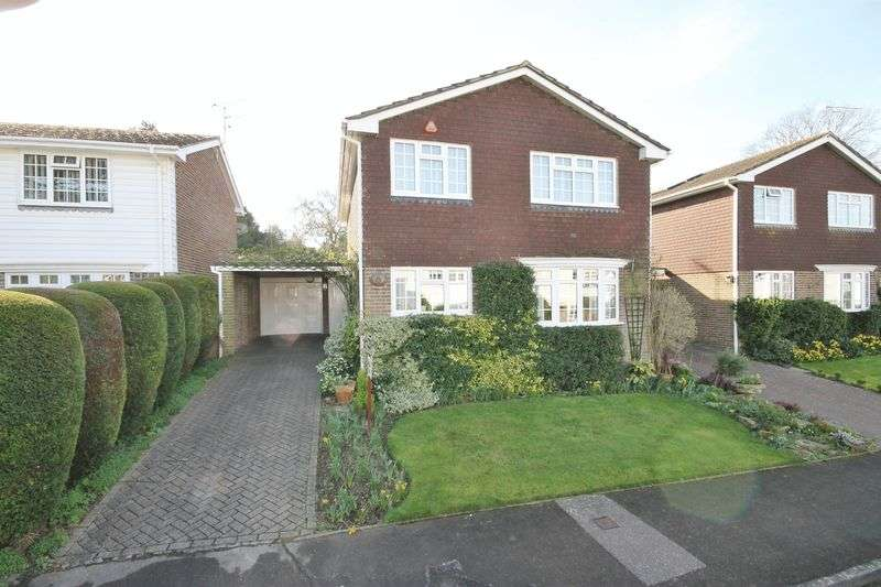 4 Bedrooms Detached House for sale in South Lodge Close, Burgess Hill, West Sussex