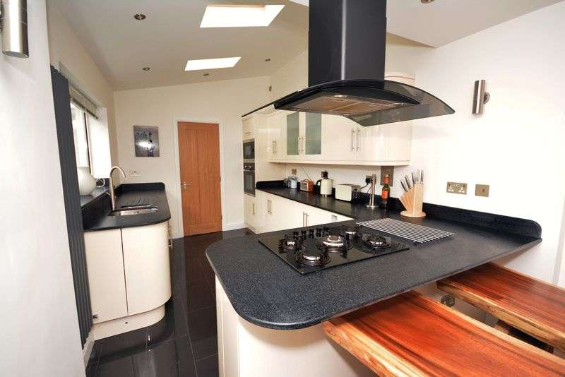 3 Bedrooms Terraced House for sale in Glamorgan Street, Canton, Cardiff