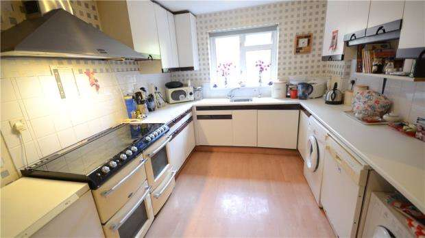3 Bedrooms Terraced House for sale in Drewett Close, Reading, Berkshire